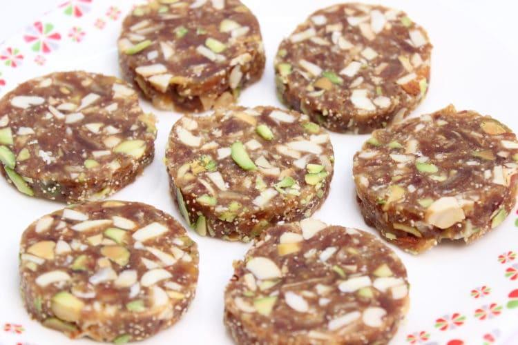 khajur roll recipe