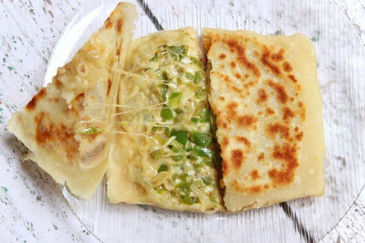 cheese capsicum paratha